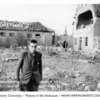 A male survivor stands in front of building ruins  [Nordhausen]
